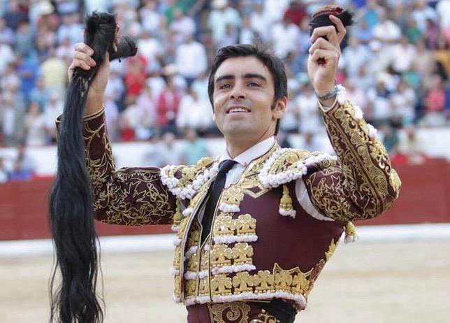 Colmenar Viejo: triunfo de Castella y Perera y cornada a Joselito Gutiérrez