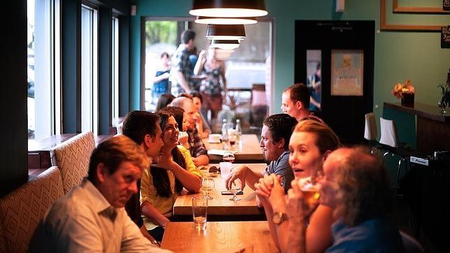 Así es como te pueden timar en bares y restaurantes, según Facua