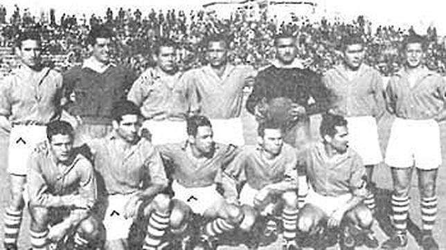 Formación del Melilla en la temporada 1950-51