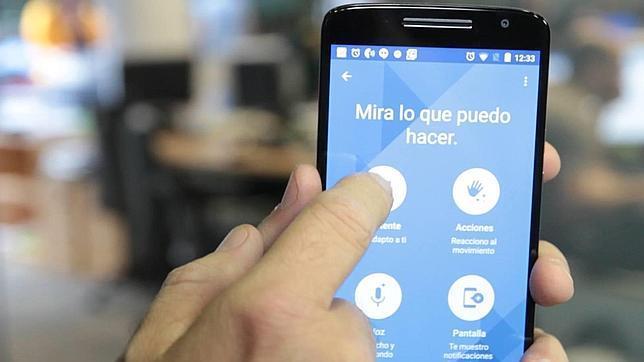 Probamos el «smartphone» Moto X Play
