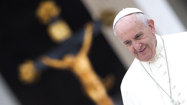 El Papa instó a «cada parroquia» de Europa a acoger a una familia de refugiados