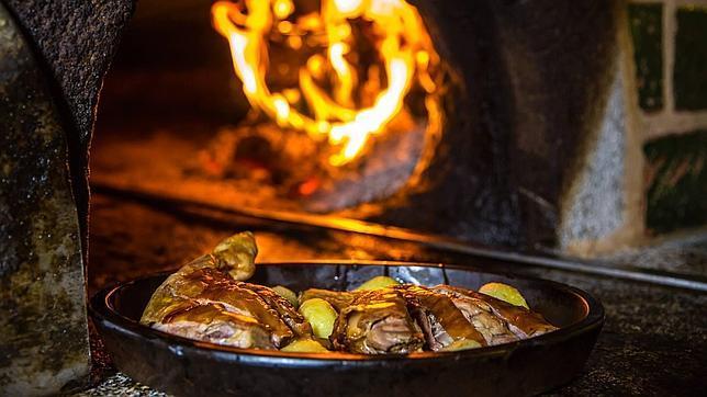 El cochinillo es uno de los platos estrella de la Hacienda del Cardenal