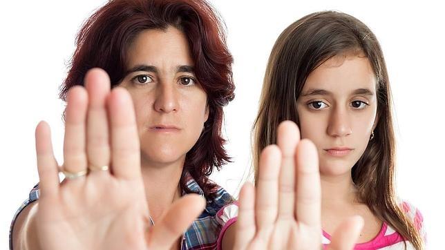 Violencia en la Adolescencia: Causas, Consecuencias y