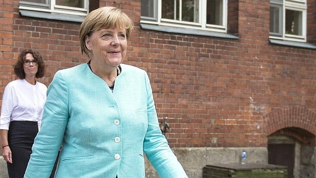 Visita de Merkel a una escuela en Berlín