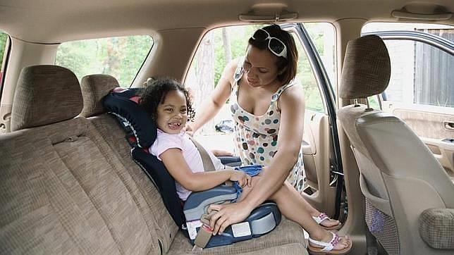 Muchos padres desconocen cómo se coloca la sillita