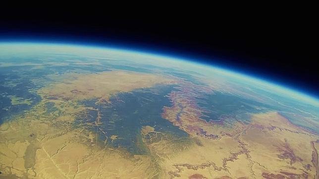 Una cámara lanzada a la estratosfera reaparece dos años después