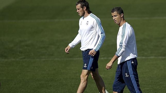 Cristiano junto a su mejor asistente, Bale