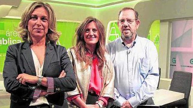 Rosa Vilas, directora de la TVG; Pilar Bermúdez, directora de Informativos; y Fernando Rodríguez, director de Programación