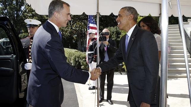 Obama saluda al Rey a su llegada a la Casa Blanca