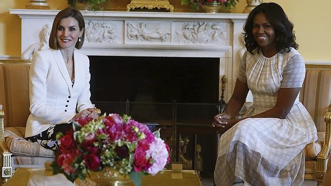 Doña Letizia toma el té con Michelle Obama