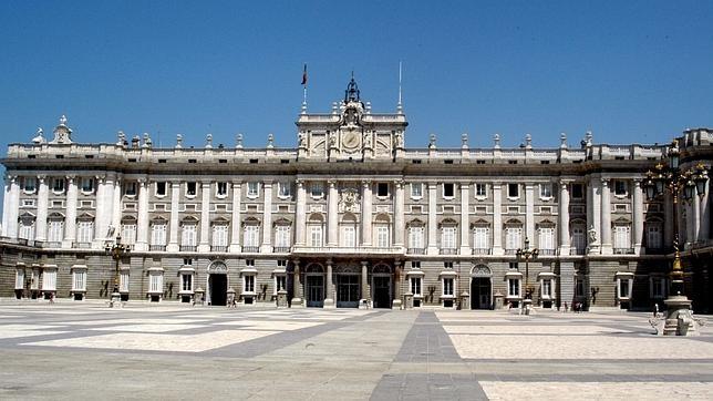 Fachada del Palacio Real de Madrid que da a la plaza de la Armería