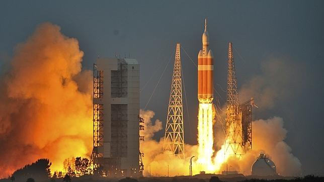 La cápsula «Orion» despega para uno de sus vuelos de prueba en el pasado mes de diciembre