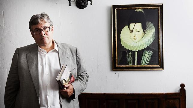 Juan Manuel de Prada: «La gente volverá al libro de papel»