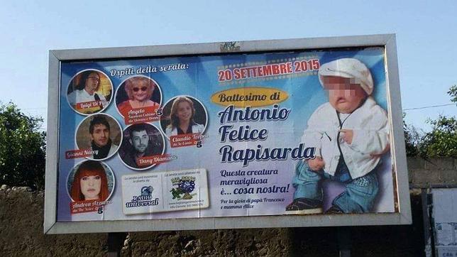 El cartel que anunciaba el bautizo del hijo de un presunto mafioso en Sicilia