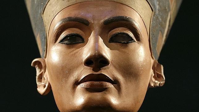 Busto de Nefertiti fotografiado en 2012 en el Neues Museum de Berlin