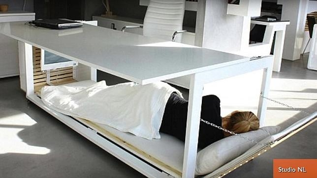 Próxima revolución en la oficina: la mesa cama