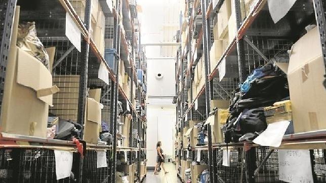 A subasta m s de mil objetos perdidos en madrid - Oficina de objetos perdidos ...