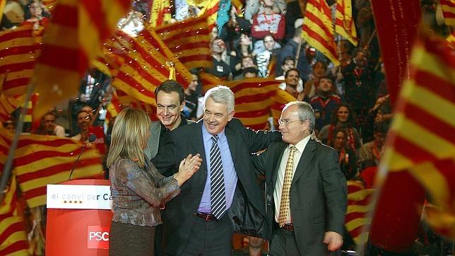 Zapatero, Maragall y Montilla, durante el mitin de final de campaña de 2003