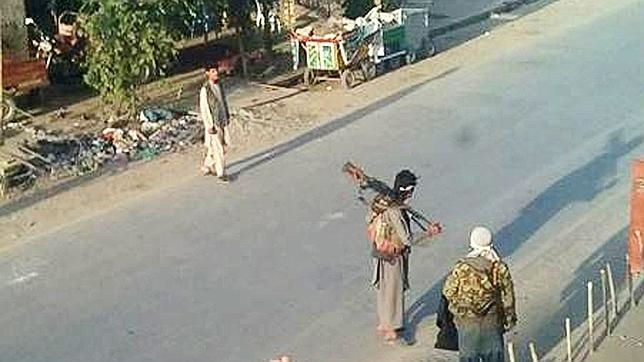 El avance talibán obliga a EE.UU. a volver a Afganistán