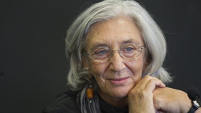 Clara Janés, durante la presentación de su libro «Movimientos insomnes»