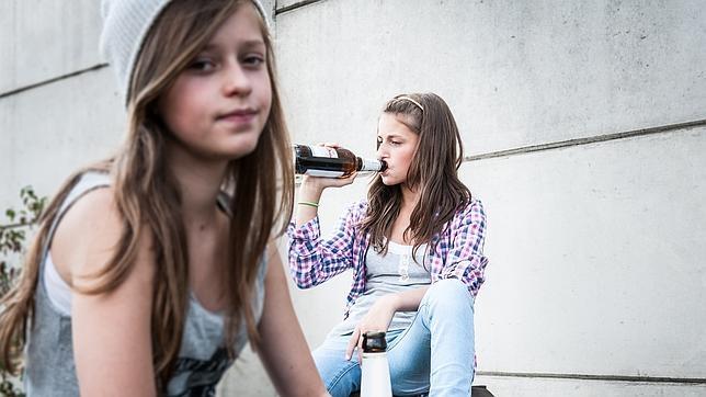 Los menores de 18 años no pueden adquirir alcohol, ni entrar en espectáculos y salas donde se venda