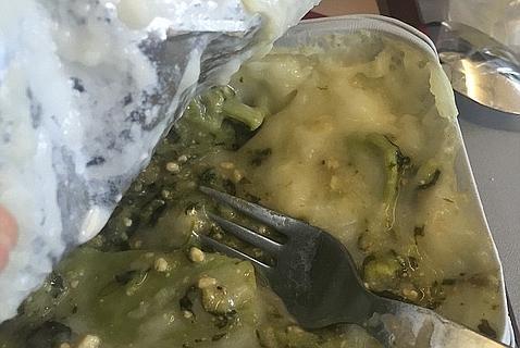 Las cinco comidas más repugnantes servidas en un avión