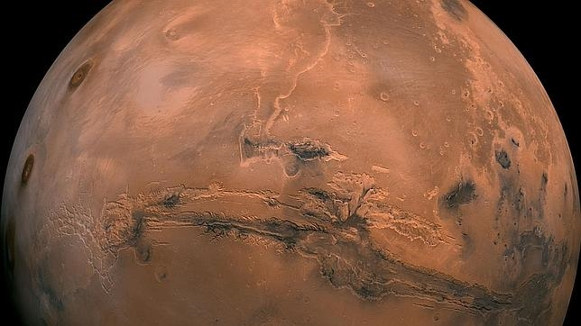 Así sería la terrorífica llegada de un astronauta a Marte Mars-globe-valles-marineris-enhanced-br2--644x362