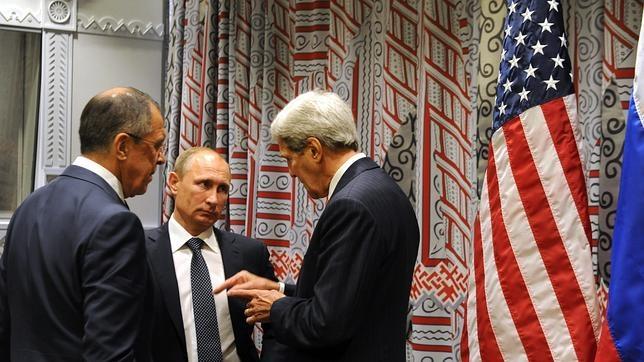 Putin, con su ministro Lavrov (izquierda) y el secretario de Estado de EE.UU., Kerry, en la sede de la ONU