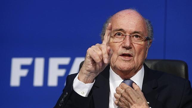 Coca Cola y McDonald's piden la dimisión de Blatter