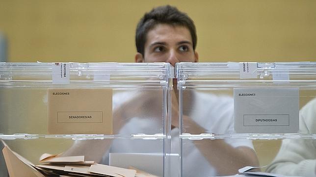 Las luces y sombras de las primeras elecciones en navidad for Presidente mesa electoral
