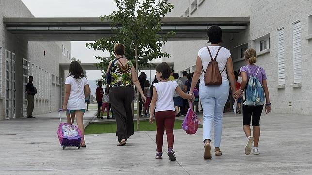 Portugal extiende hasta los 25 años las pensiones obligatorias para hijos de padres divorciados o separados