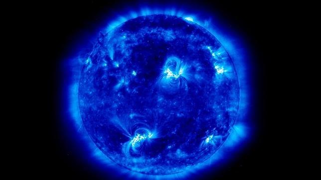 El Sol, en la imagen, es una enorme central nuclear que produce neutrinos capaces de llegar a la Tierra
