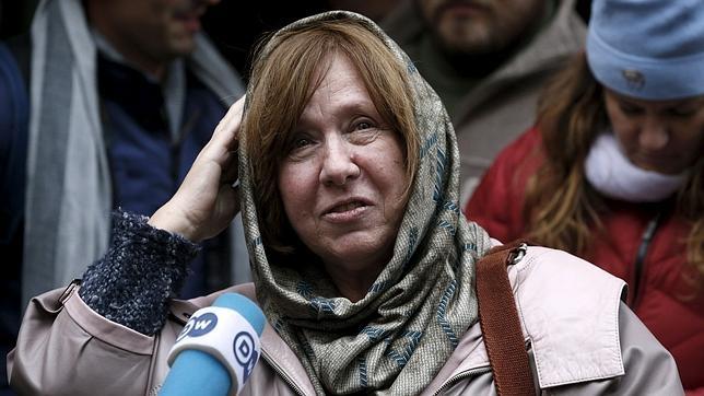 Svetlana Alexiévich, fotografiada en Minsk, poco después de saber que había sido galardonada con el Nobel