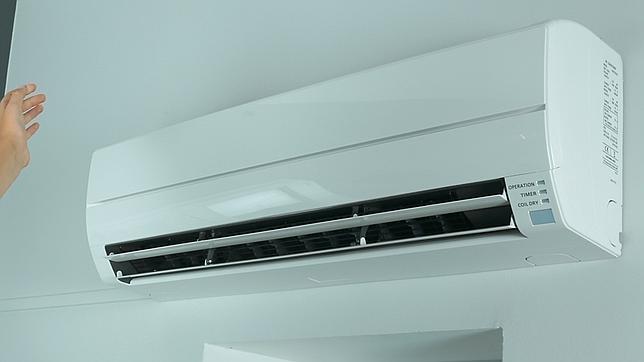 Dejar en «standby» el aire acondicionado puede suponer un gasto energético extra para los hogares