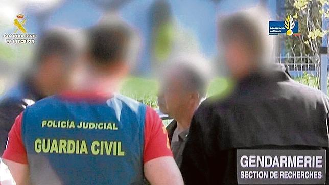 Instante de la detención del presunto asesino en Besançon (Francia)