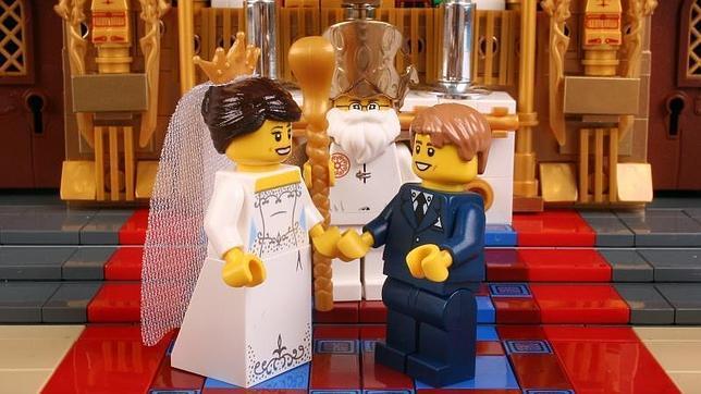 En la última década, los matrimonios por la Iglesia caen un 52% y los civiles un 25%