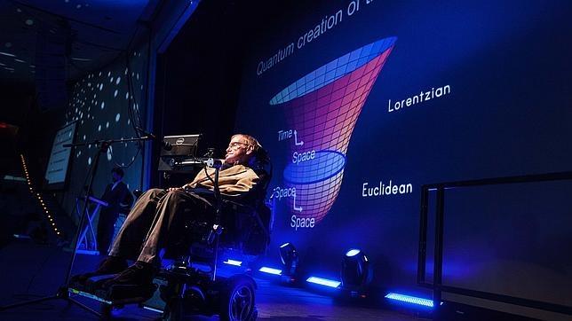 El misterio más intrigante del universo para Stephen Hawking son las mujeres