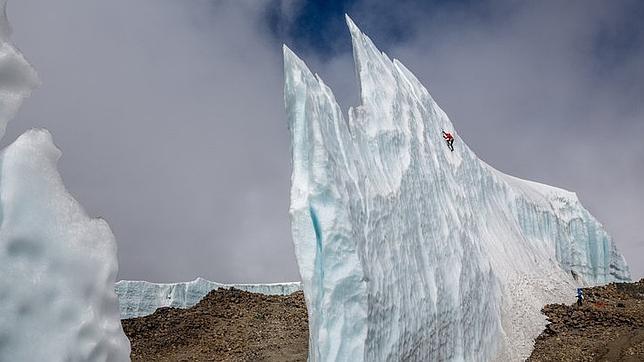 Will Gadd escalando los hielos del Kilimanjaro