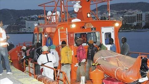 Canarias recibe en dos meses m?s inmigrantes en patera que en 2012, 2013 o 2014