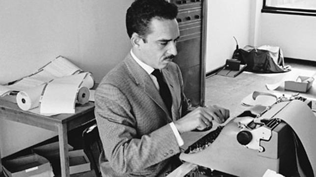 García Márquez, en las oficinas de «Prensa Latina». Bogotá, 1959