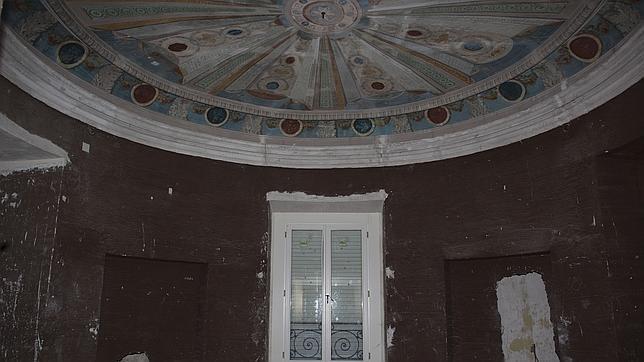 Habitación de la Duquesa de Osuna, únicamente, con los frescos consolidados