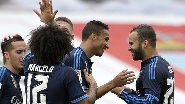 Danilo agradece a Jesé el pase del 0-2
