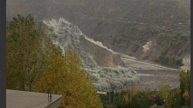 Violento terremoto en Afganistán y Pakistán este lunes