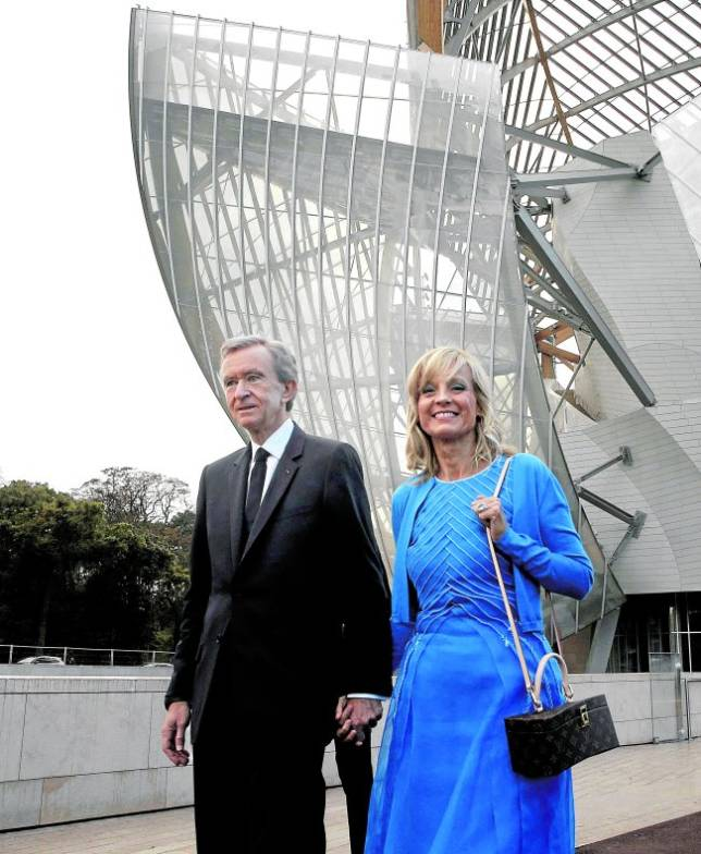 Bernard Arnault junto a su esposa, la pianista Hélène Mercier