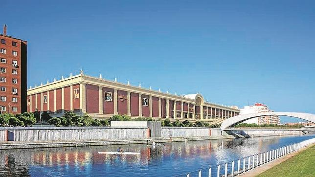 La parcela donde se quiere construir está situada frente al centro cultural Matadero, en Madrid Río