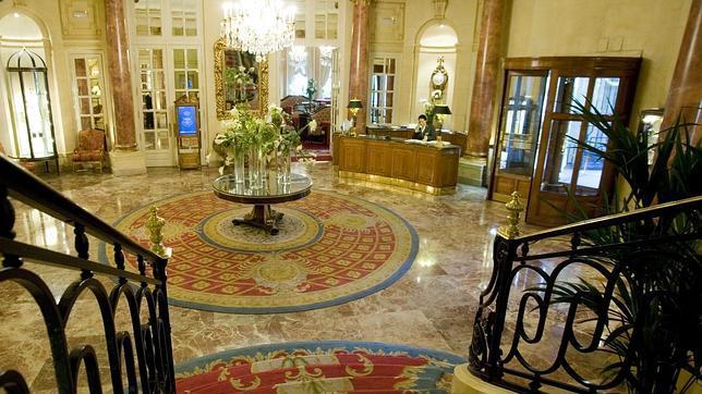 Hotel de lujo de cinco estrellas blse for Busco hotel barato en barcelona