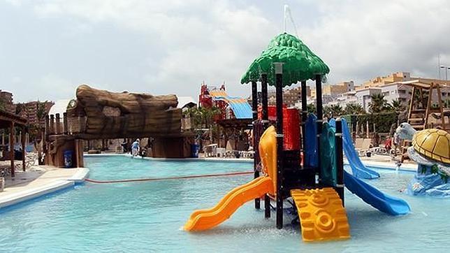 Marina d or inaugura parque acu tico y jard n encantado for Jardin encantado marina d or