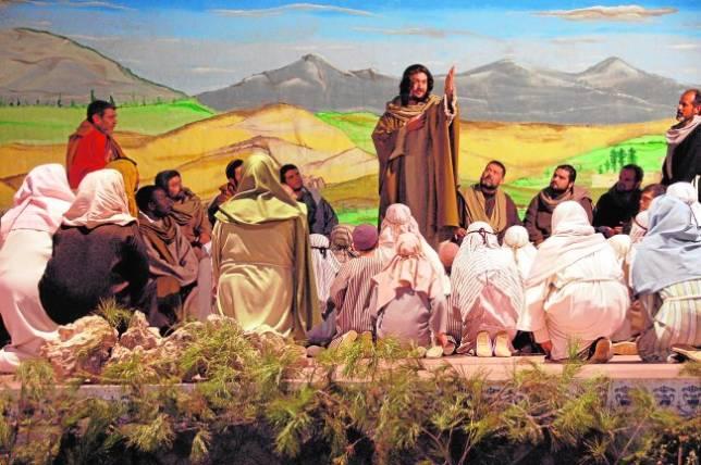 Una representación de la Pasión basada en el teatro de calle
