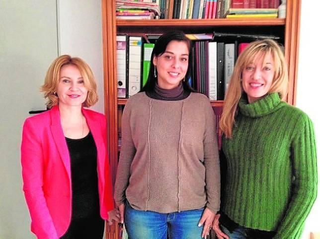 Mari Carmen Fernández, Isabel de la Fuente y  Maite Delgado (a la derecha), presidenta de Mediacon