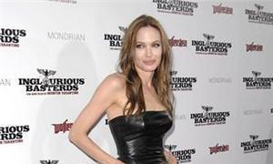 Angelina Jolie, la mujer más guapa de la década
